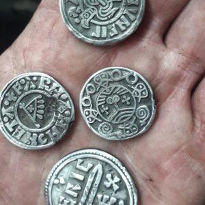 Monedas vikingas variadas
