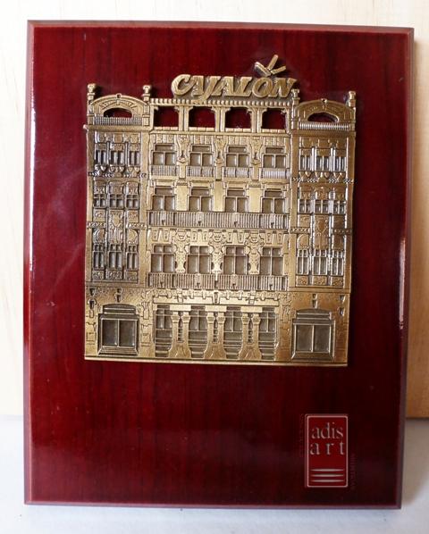 Fachada Cajalon