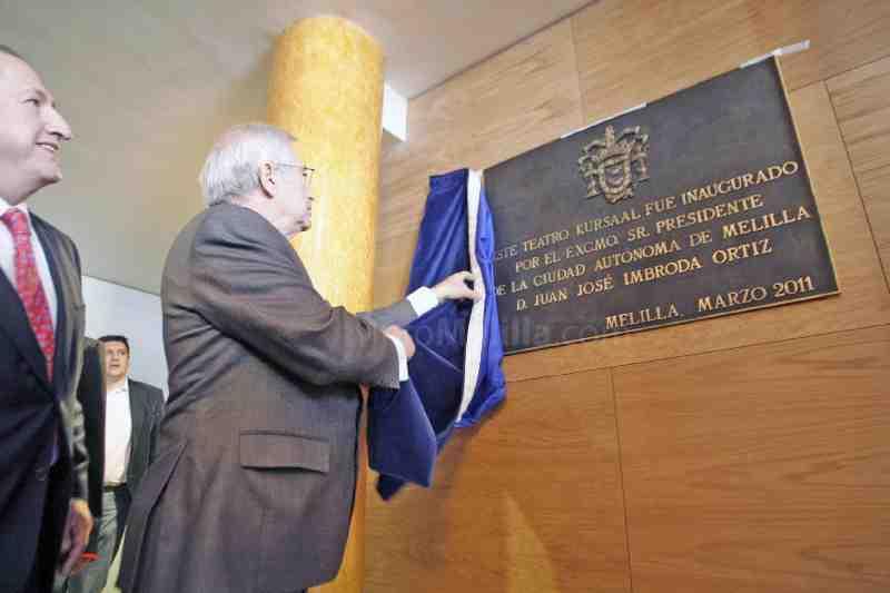 Inauguración placa de bronce