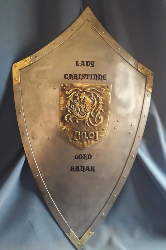 Escudo medieval de hierro personalizado